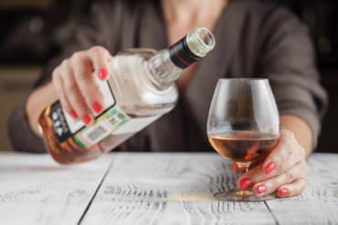 Alkoholizm – przyczyny i objawy choroby