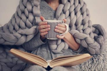 Książki na zimowe wieczory — propozycje