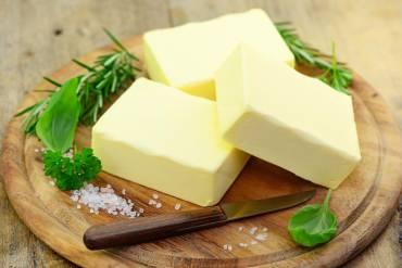 Dlaczego masło jest zdrowsze od margaryny?