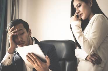 Chwalić czy ganić – co bardziej motywuje pracowników?