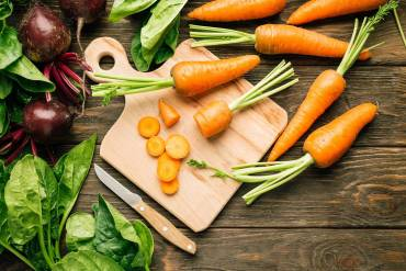 Dlaczego warto jeść surowe warzywa?
