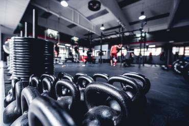 Jakie ćwiczenia wybrać na trening na siłowni?