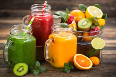 Przepisy: Owocowe smoothie na śniadanie