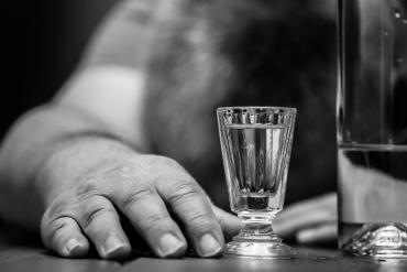 Padaczka alkoholowa – czym jest i jak można ją leczyć?