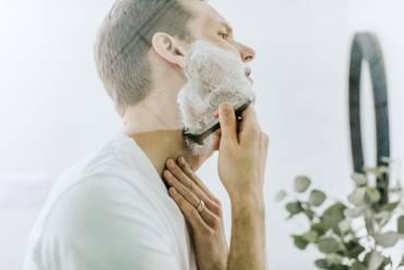 Woda po goleniu: wszystko, co musisz o niej wiedzieć