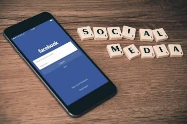 Uzależnienie od Facebooka. Jak media społecznościowe wpływają na Twoją psychikę?