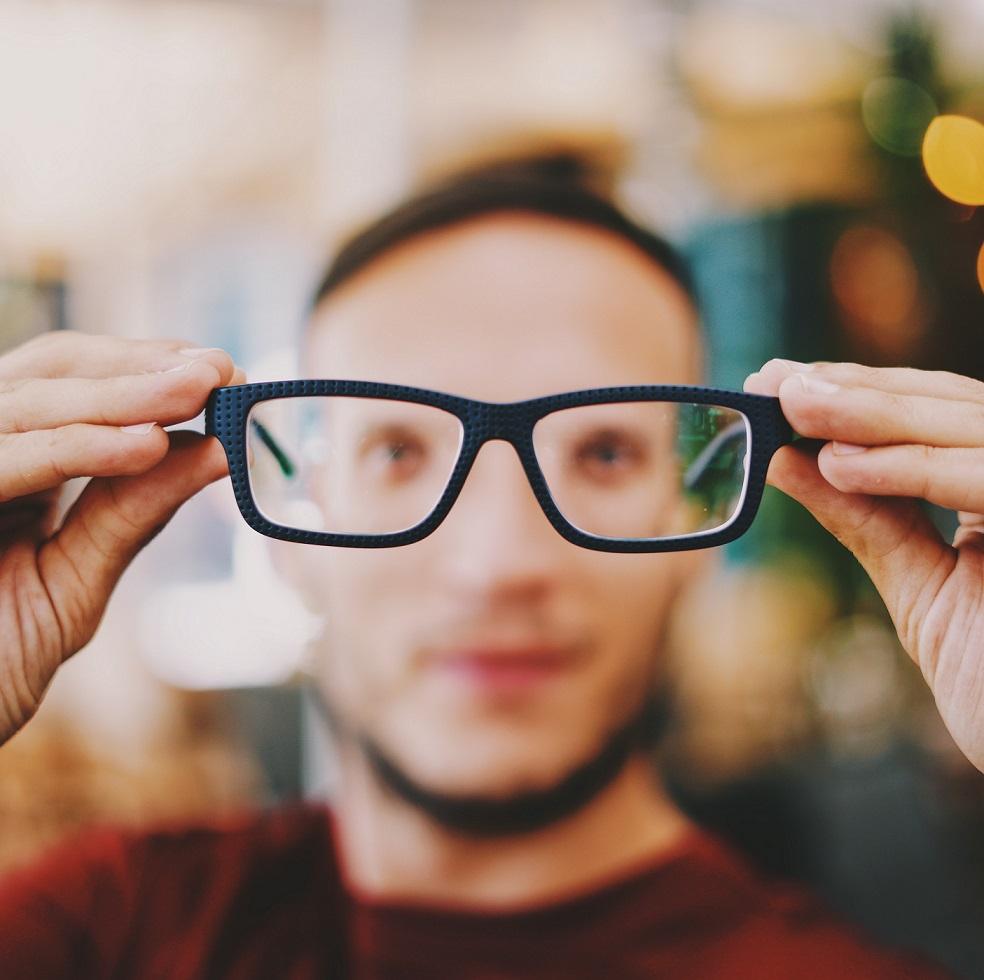 Pożegnaj okulary i soczewki kontaktowe – chirurgia laserowa Wrocław